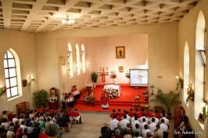 Pierwsza msza w nowym kościele - Misje 2013